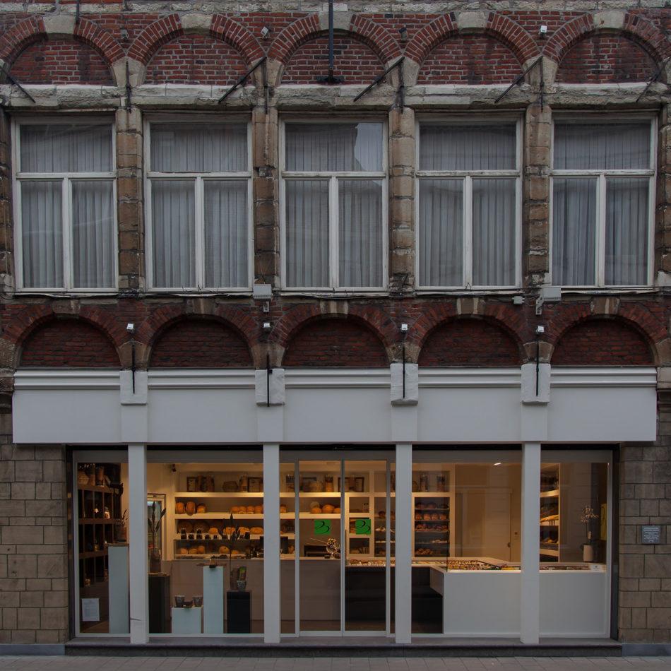 Baele voorkant gevel winkel chocolaterie interieur
