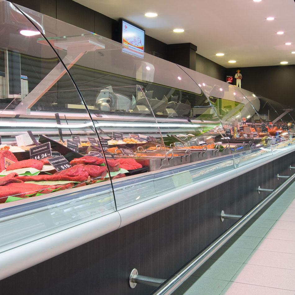koeltoonbank bij slagerij Raeymaekers door Integral Interiors