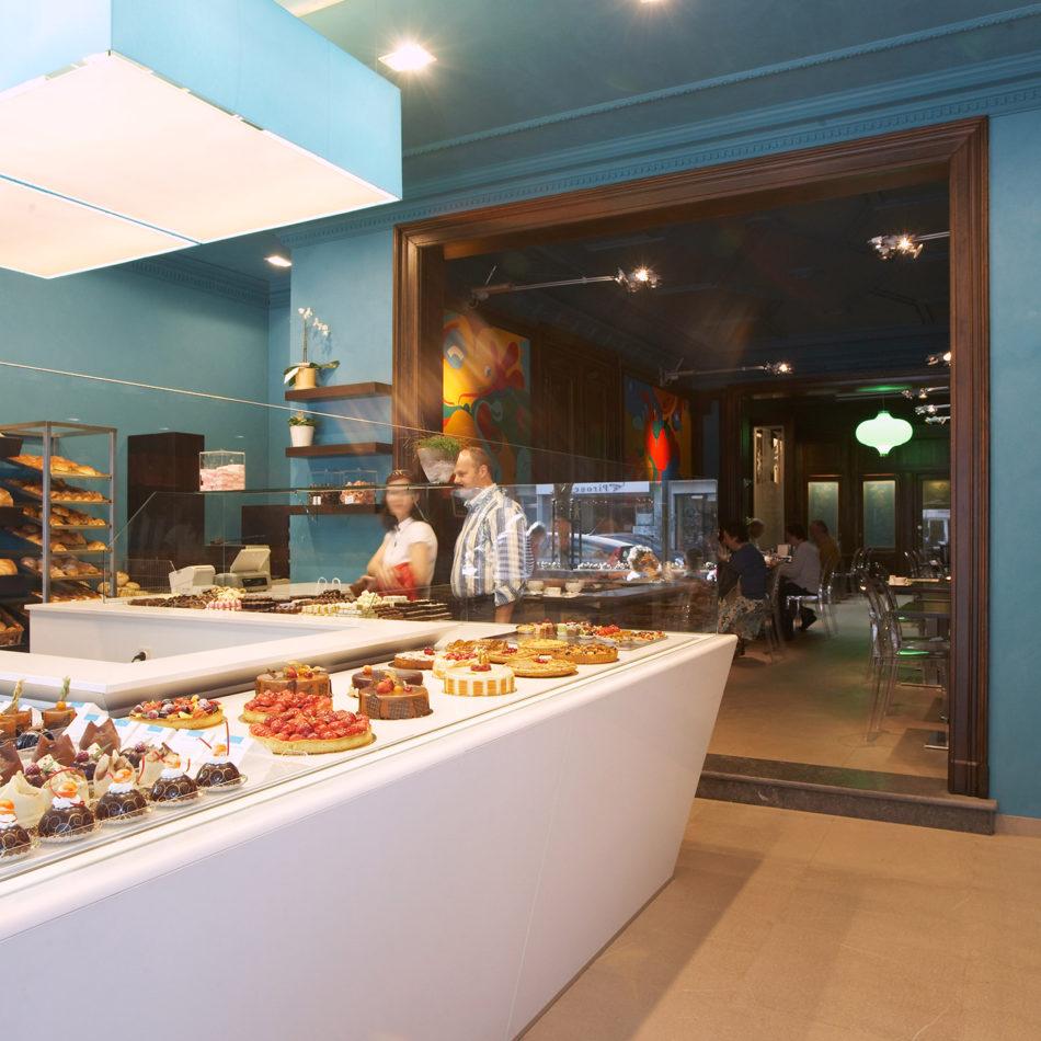 Bakkerij Davalie interieur van toonbank in de winkel