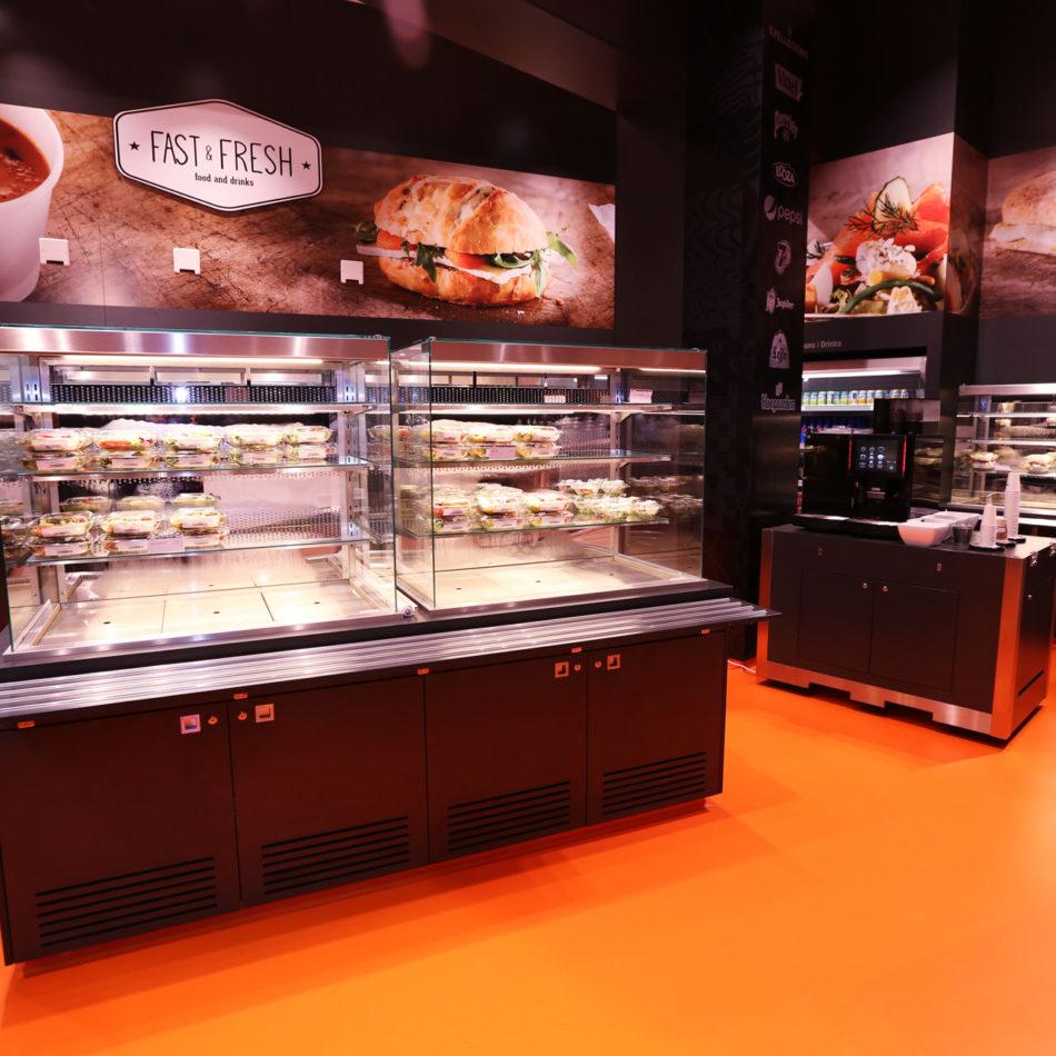 Flanders Expo Fast & Fresh - gekoelde toonbanken door Integral Interiors