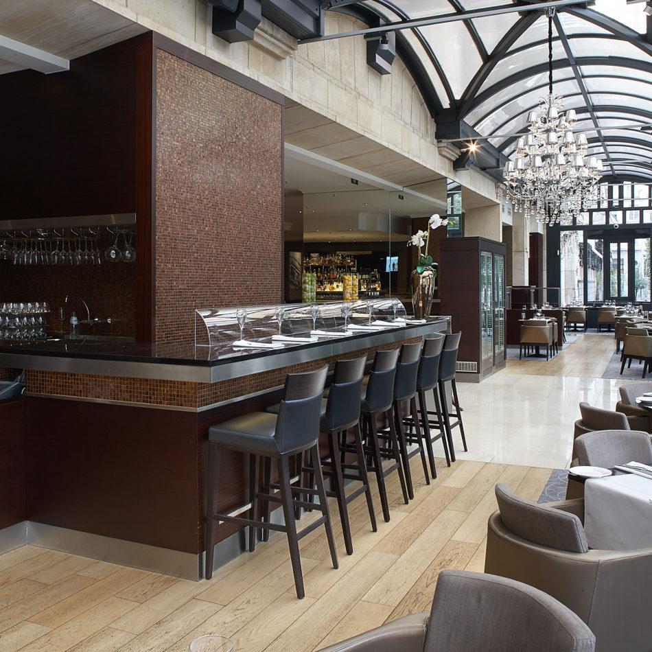 inrichting bar bistro restaurant hotel hilton antwerpen integral