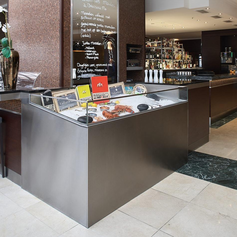 inrichting bar bistro restaurant hotel hilton antwerpen toonbank vis integral
