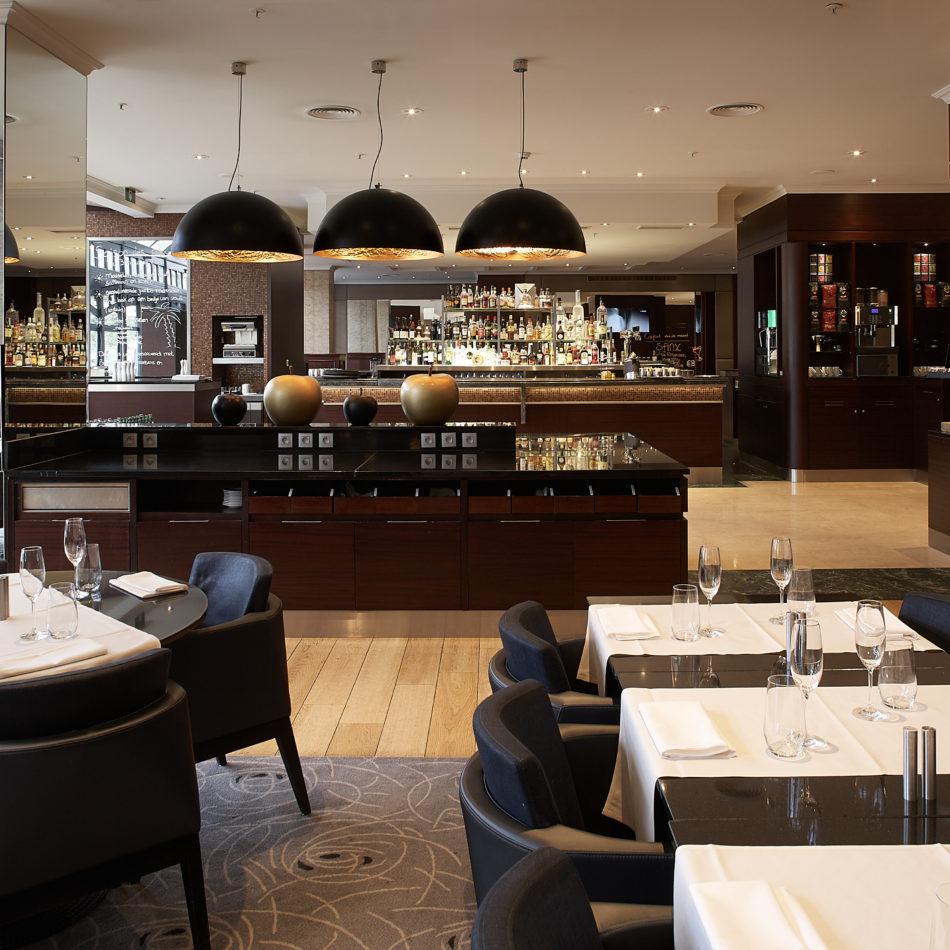 inrichting bar bistro restaurant hotel hilton antwerpen verlichting integral