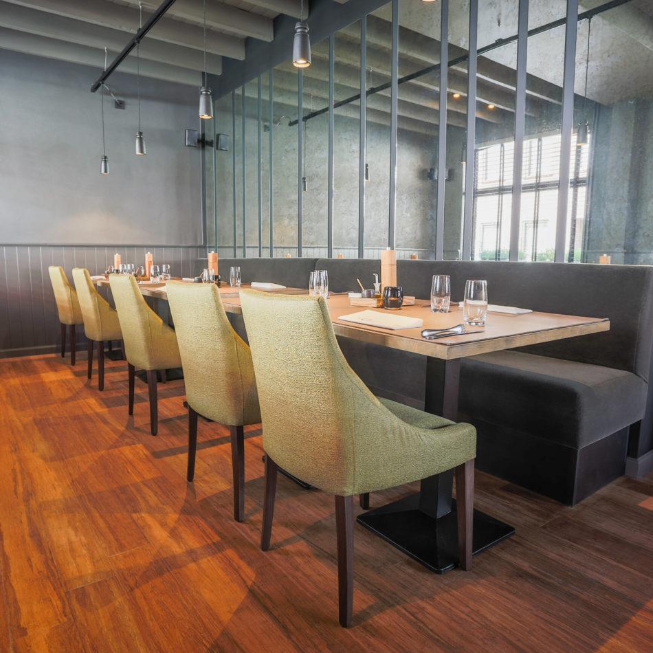 inrichting cuisine kwizien bar bistro restaurant bank hout staal zwevezele integral
