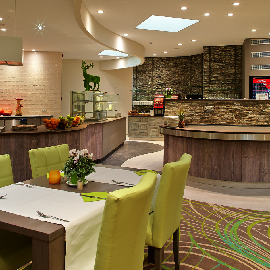 inrichting hotel vayamundo houffalize ontbijt integral