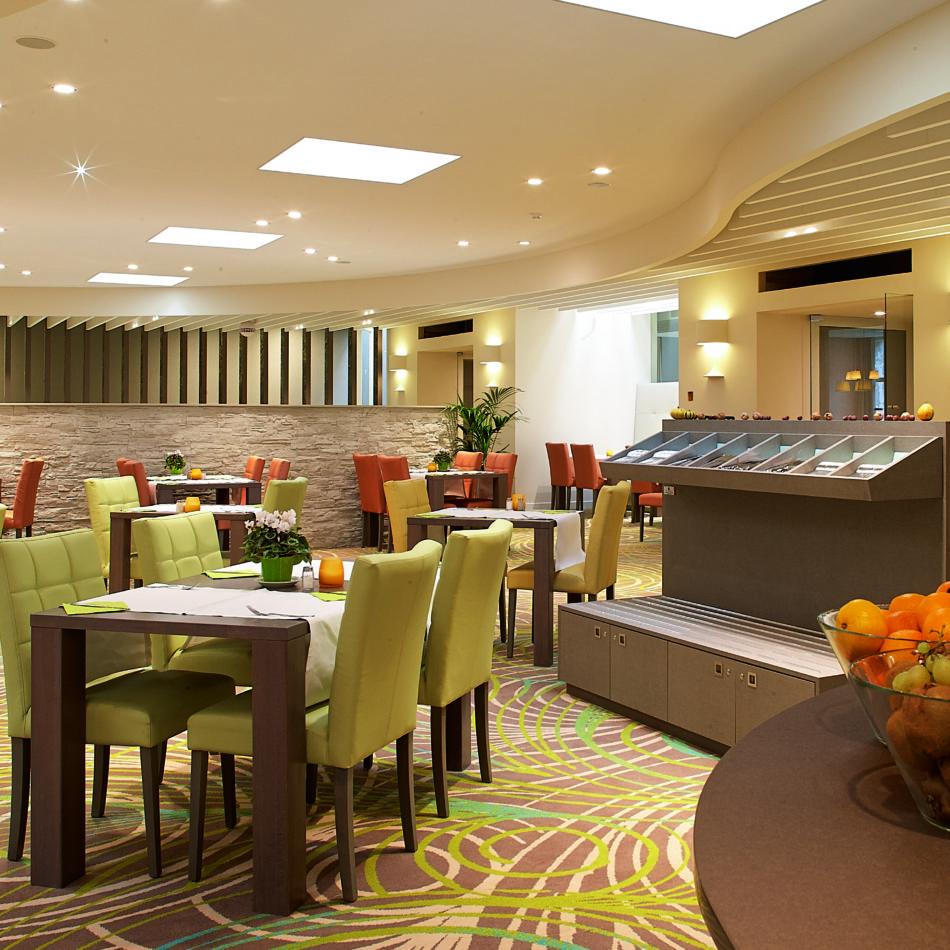 inrichting hotel vayamundo houffalize ontbijt servies integral