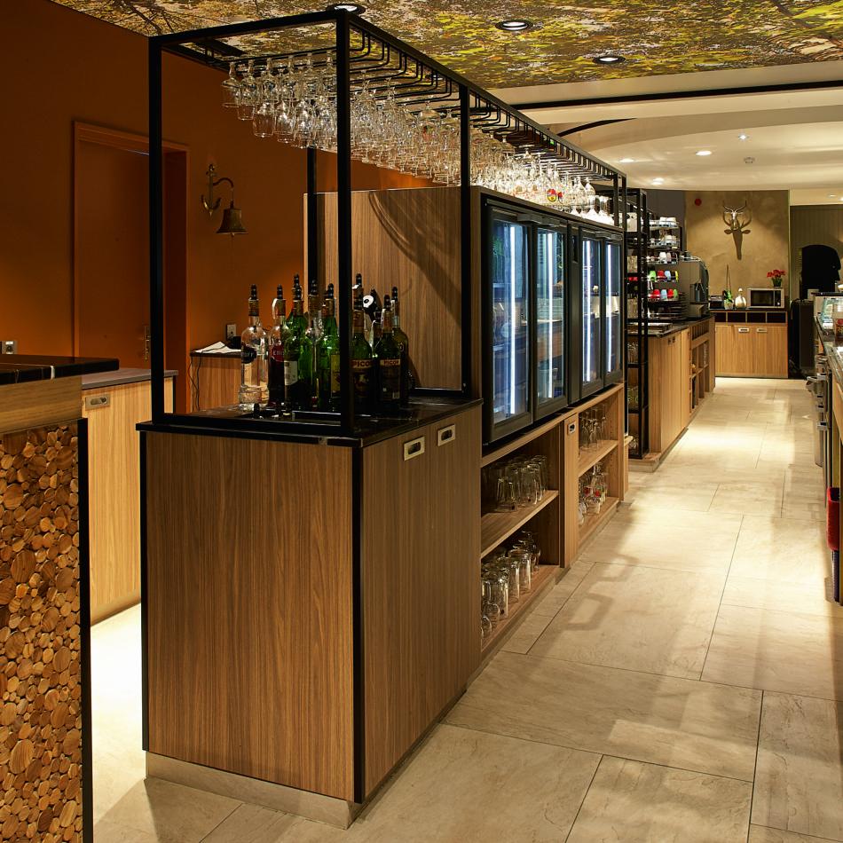 inrichting hotel vayamundo houffalize bar staal integral