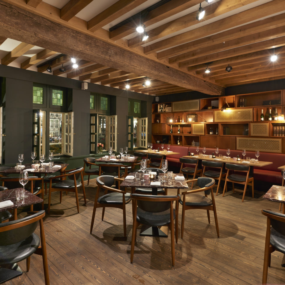 inrichting midtown grill bar bistro restaurant hotel marriott gent integral
