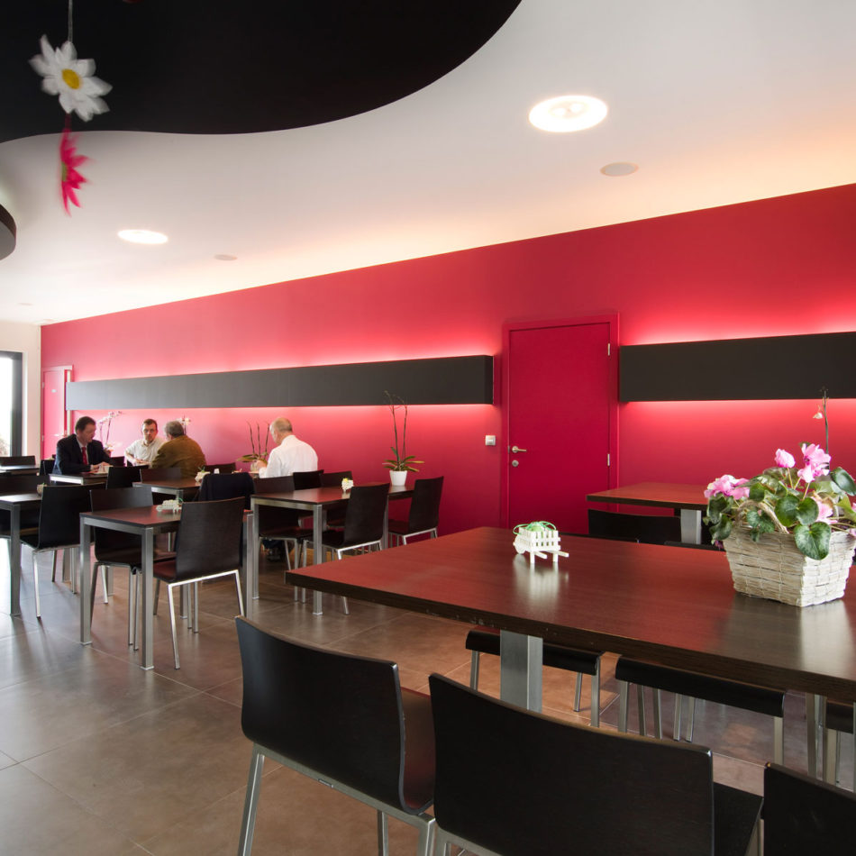 bistro/snackbar Defossez in Dinant inrichting horeca door Integral