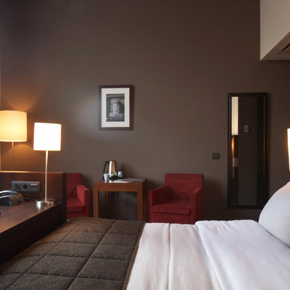 Dekeyzer hotelkamer totaalinrichting