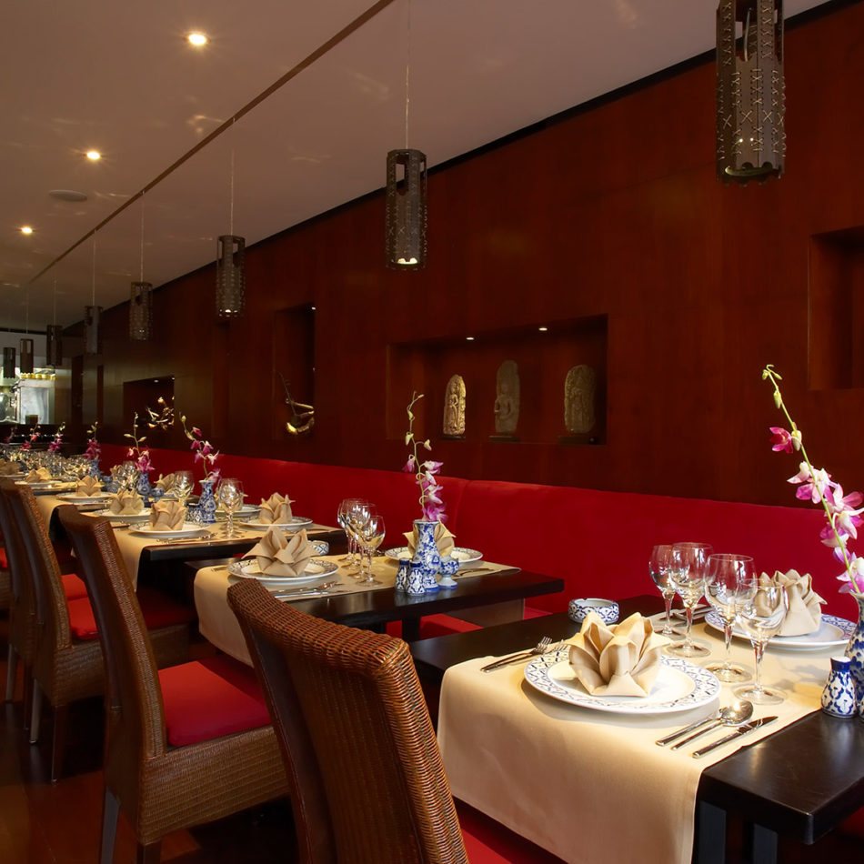 Publieke ruimte Naraï Thai ingericht door Integral interiors