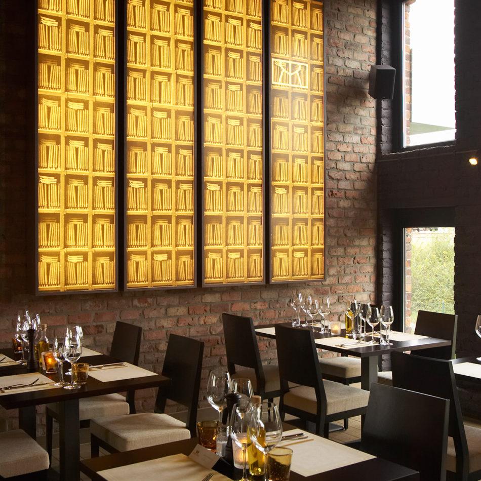 Mooie inrichting van Brasserie Sofie door Integral Interiors