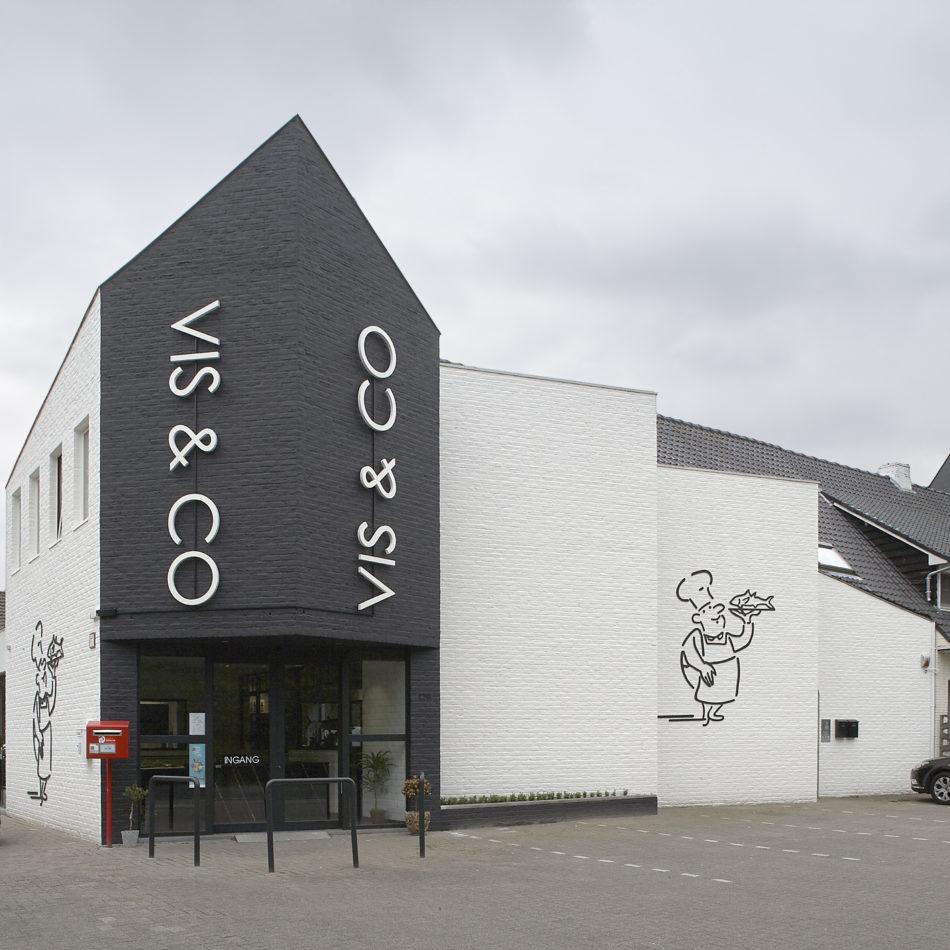 Bekijk hier de winkelinrichting van Vis & Co in Oud-Turnhout, uitgevoerd door Integral Interiors.