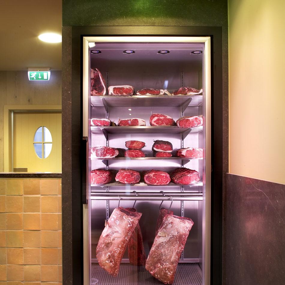 Rijpingskast slagerij beerens eindhoven winkelinrichting integral interiors