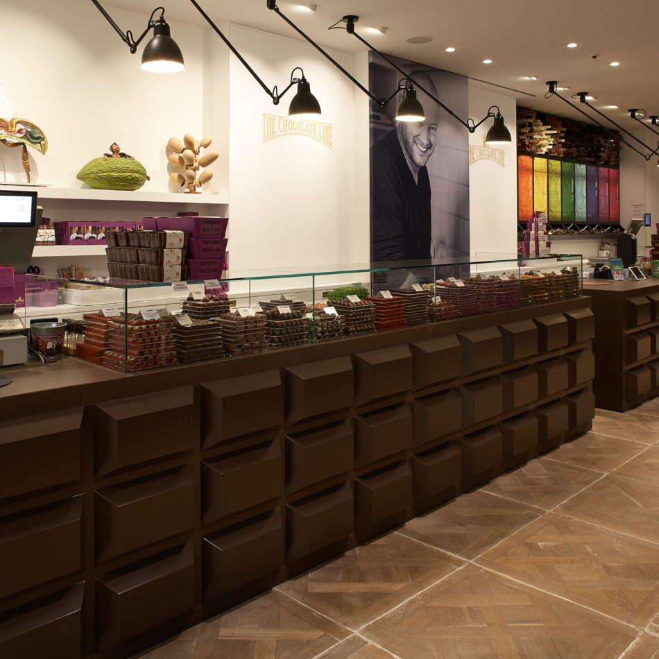 Toonbank chocolade pralines brugge integral inrichting chocolaterie