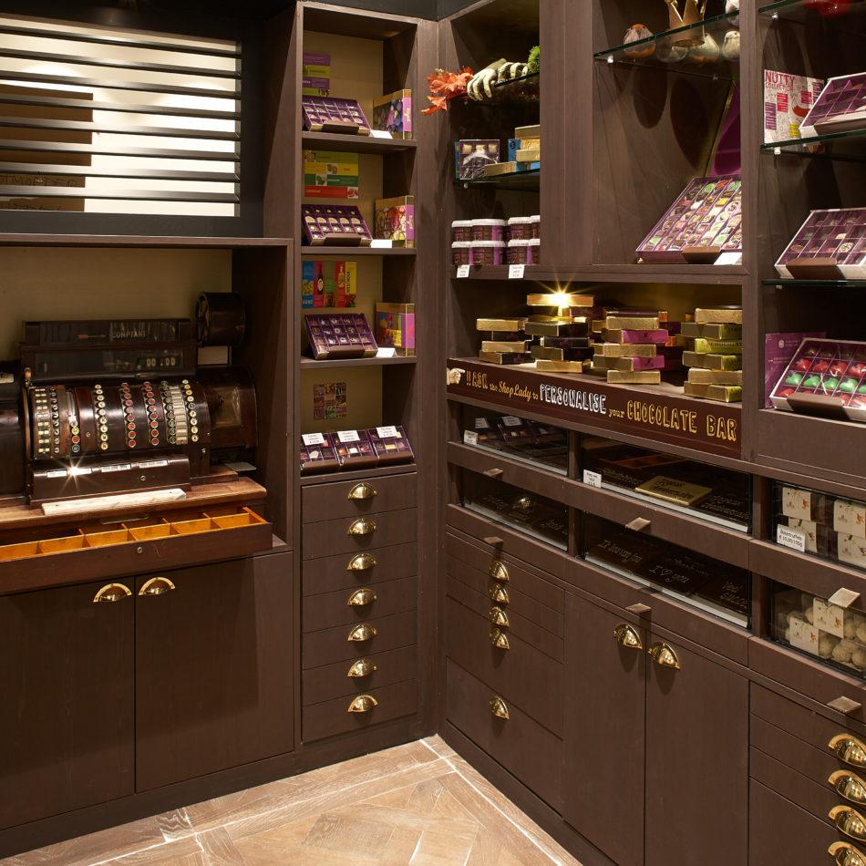 Winkelinrichting op maat Chocolatier Brugge Dominique Persoone