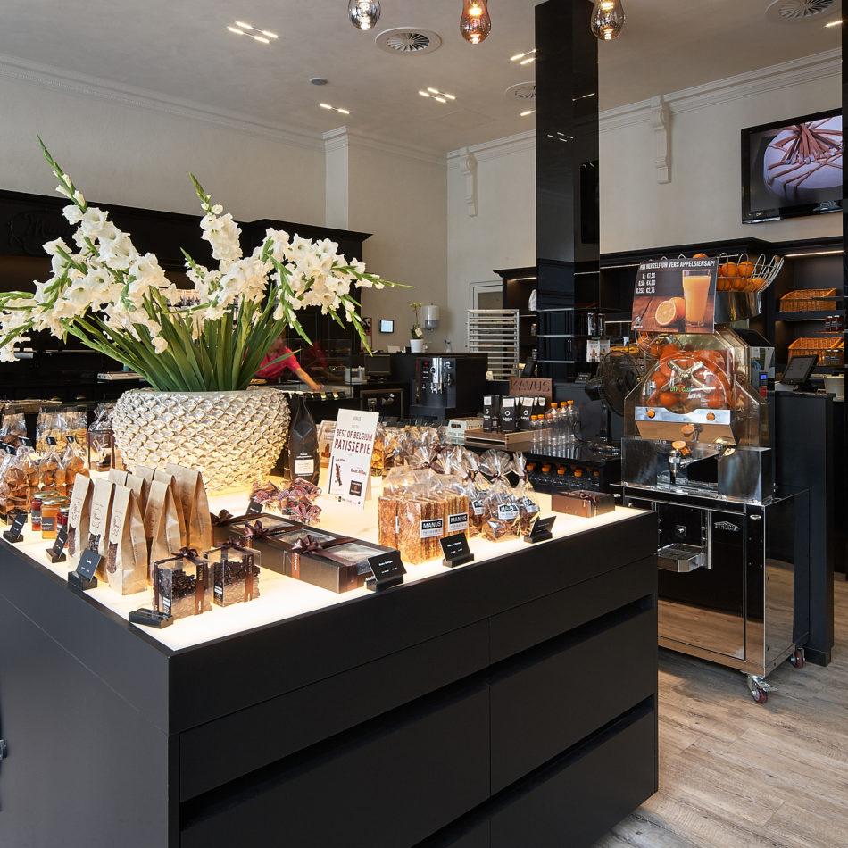 Patisserie Manus Brasschaat winkelinrichting interieur integral eeklo