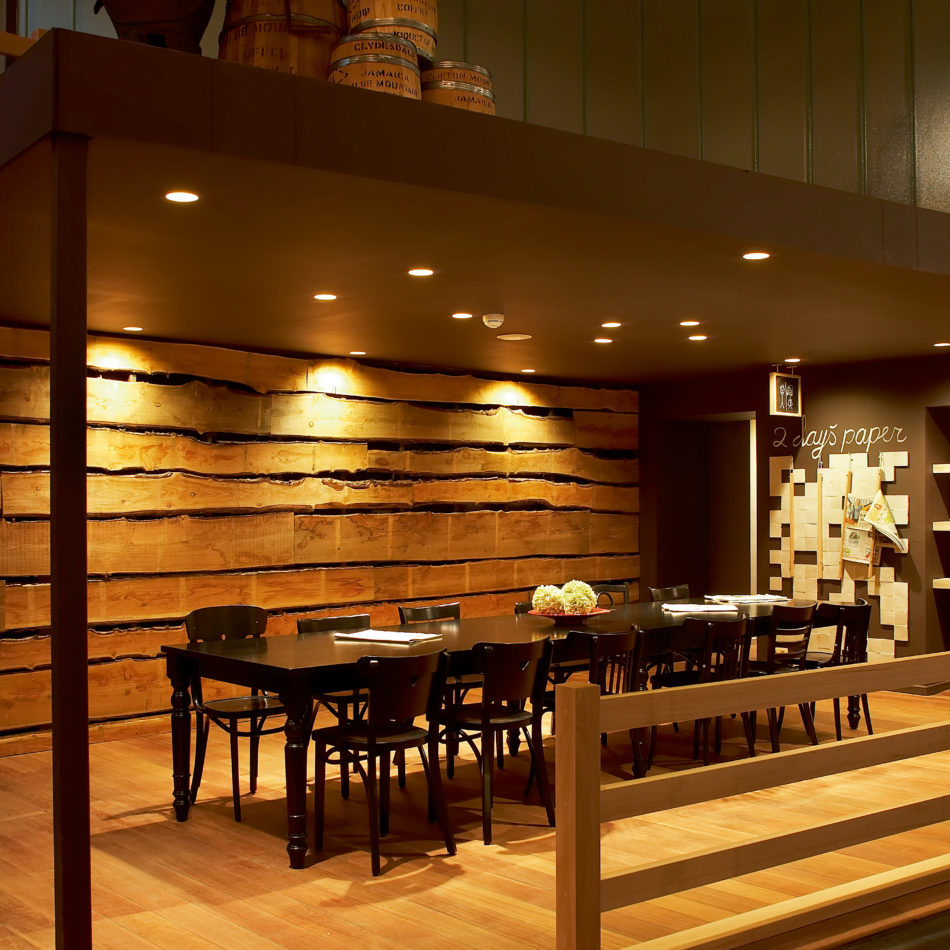 inrichting viva sara bar bistro restaurant koffie hout kortrijk integral